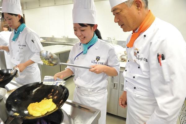 du học Nhật Bản ngành nấu ăn